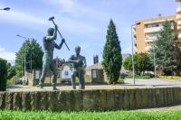 Estátua de Homenagem ao Pedreiro Montante
